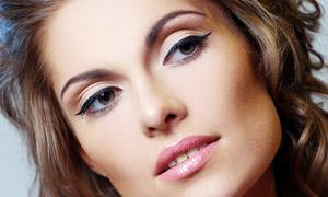 美甲卷发发型模特人物摄影高清图片