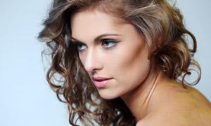 侧面视角卷发模特美女摄影高清图片