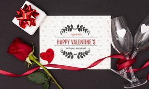 玫瑰花酒杯装饰的卡片样机模板素材