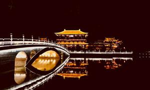 夜晚西安美丽的建筑景观摄影图片
