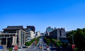 蓝天下的西安城街道高清摄影图片