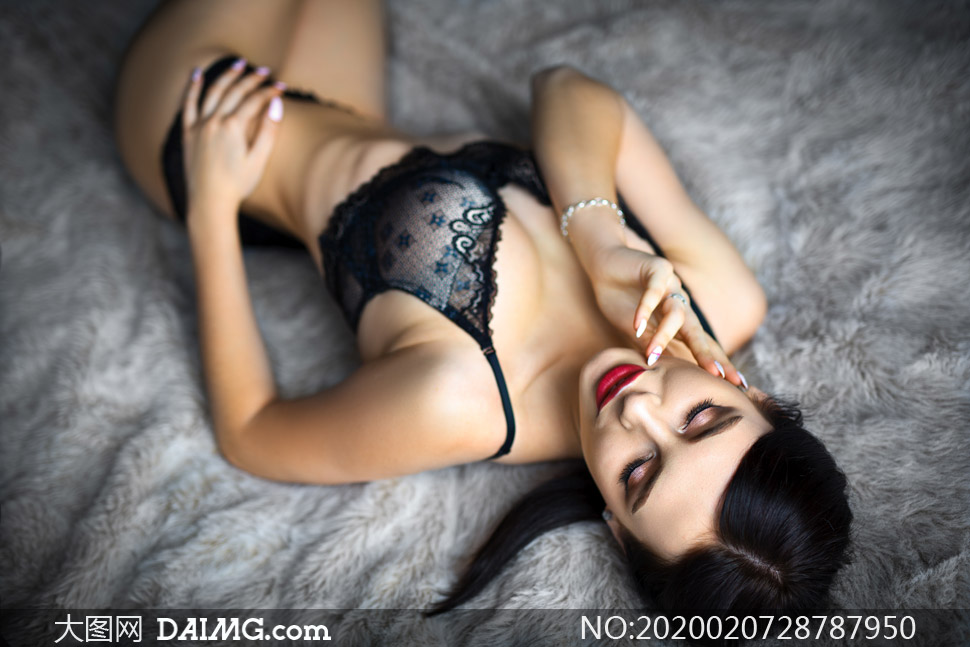 浓妆打扮内衣美女模特摄影高清图片
