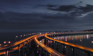 大連跨海大橋夜色全景攝影圖片