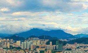 藍天白云下的深圳建筑全景攝影圖片