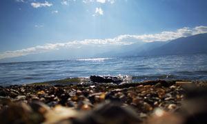 阳光下的洱海美丽风光摄影图片