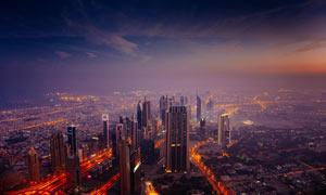 夜幕來臨下的都市夜景景觀攝影圖片