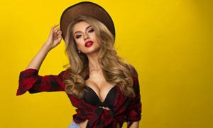 戴帽子的性感金發美女攝影高清圖片