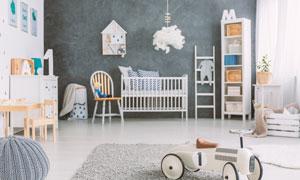 儿童房置物架与玩具等摄影高清图片