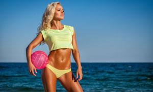 大海風光金發運動美女攝影高清圖片