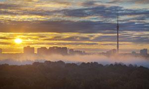 云彩雾气城市建筑风光摄影高清图片