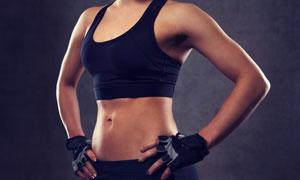 叉腰姿勢運動美女人物攝影高清圖片