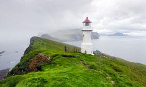 矗立在海边的灯塔风光摄影高清图片