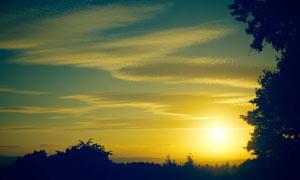 蓝天白云夕阳黄昏美景摄影高清图片
