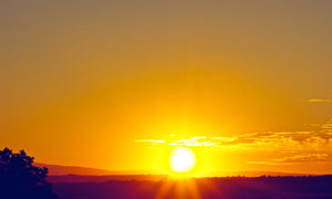 黄昏霞光下的群山风光摄影高清图片