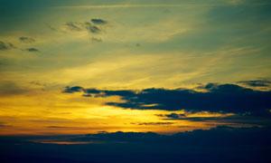 黄昏天空黑云霞光风景摄影高清图片