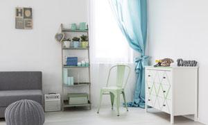 房間里的抽屜柜與置物架等攝影圖片