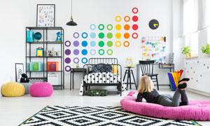 幾何圖形元素點綴的兒童房攝影圖片