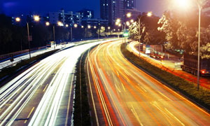 城市车来车往夜晚风光摄影高清图片