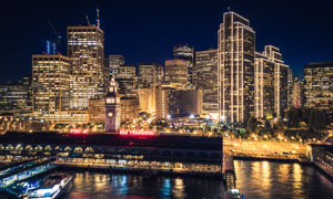 夜晚城市建筑景观照明摄影高清图片