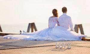一對情侶男女人物婚紗攝影高清圖片