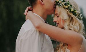 親密接觸情侶人物婚紗攝影高清圖片
