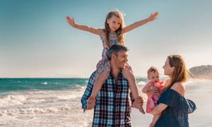 休闲假日幸福家庭人物摄影高清图片