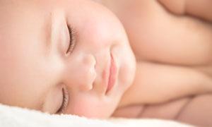 熟睡中的可愛胖嘟嘟小寶寶高清圖片