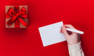 空白卡片與精致禮物盒攝影高清圖片