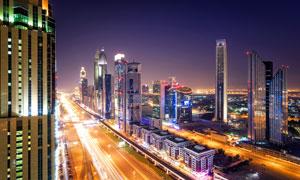 鳥瞰視角繁華城市夜景風光高清圖片
