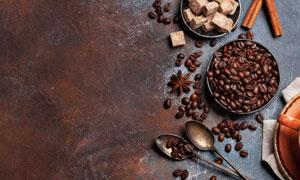 咖啡豆與八角桂皮特寫攝影高清圖片