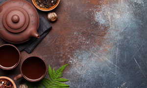 茶壺茶碗與干花等物品攝影高清圖片