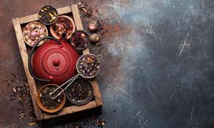 木盒里的茶壺干花物品攝影高清圖片