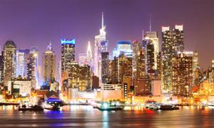 江邊的城市建筑群夜景攝影高清圖片