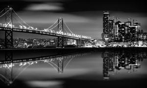 城市高樓大廈橋梁夜景黑白攝影圖片