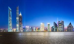 上海金茂大廈等地標建筑物夜景圖片