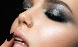 亮闪闪的眼妆美女人物摄影高清图片