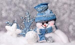 雪球與可愛的雪人創意攝影高清圖片