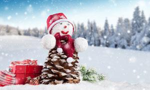 圣誕球禮物盒與雪人等攝影高清圖片