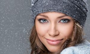 冬装打扮开心美女人物摄影高清图片