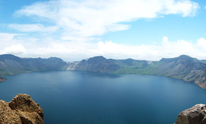 长白山天池全景图摄影图片