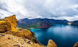 长白山天池美里湖景高清摄影图片