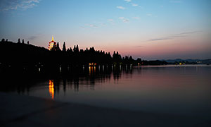 雷峰塔美丽夜景摄影图片
