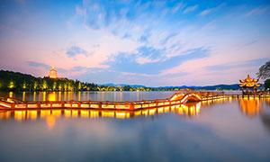 西湖雷峰塔夜景风光摄影图片