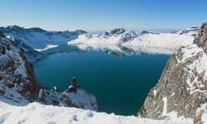 蓝天湖泊雪山自然美景摄影高清图片