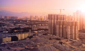 城市建筑物與工地鳥瞰攝影高清圖片