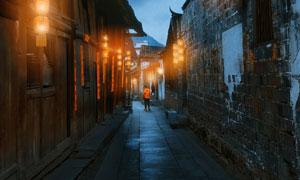 高挂着灯笼的古镇夜晚风景高清图片
