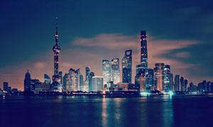 黄浦江陆家嘴高层建筑夜景高清图片