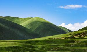 蓝天白云青山草地风景摄影高清图片