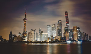 陆家嘴高楼建筑群夜景风光高清图片