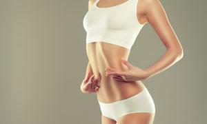 腹肌显现的运动内衣装美女高清图片